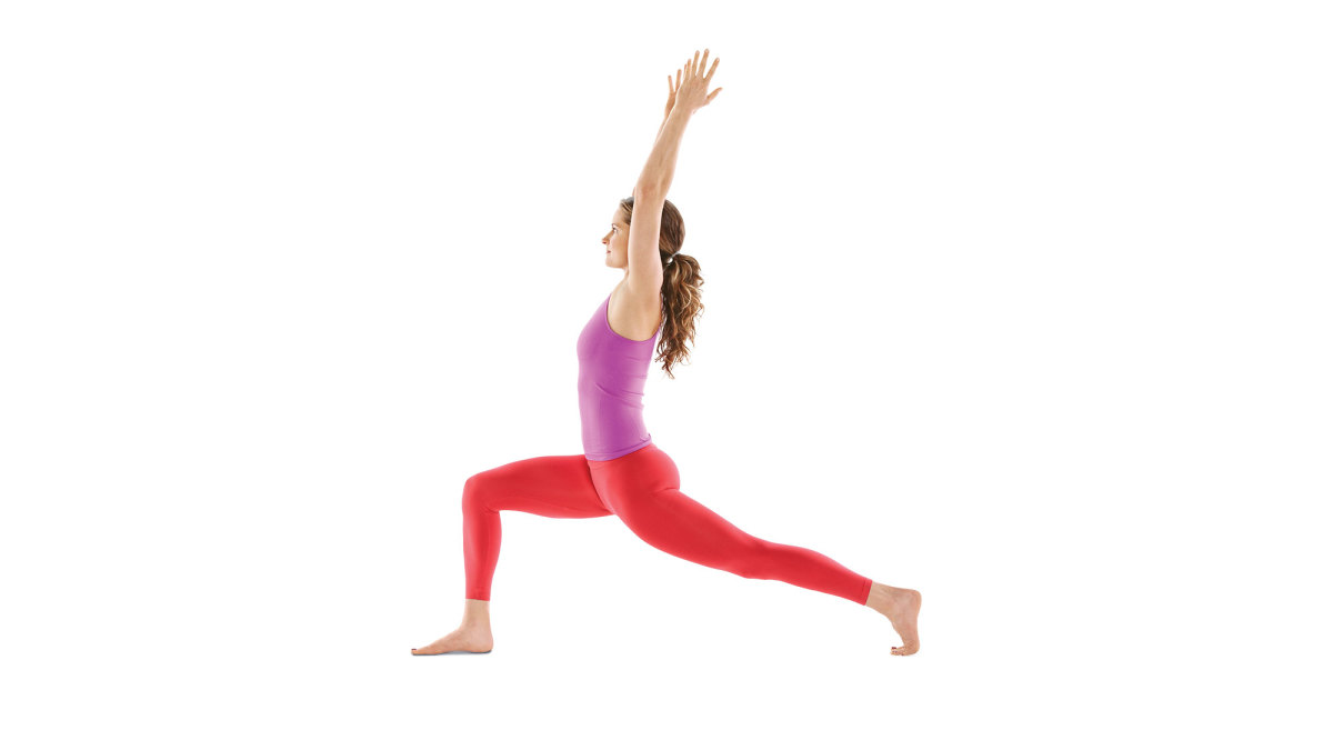 yoga while traveling high crescent lunge